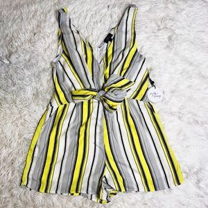 Size large yellow contrast stripe romper